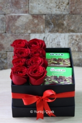 Black Box of colored roses in the Best Prepared by Arrangement will be designed to explain Yet you love. (May vary depending on the color of roses availability)