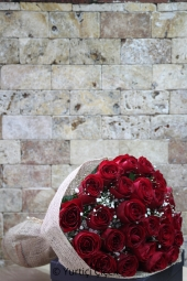 Loved ones with exotic bouquet of 25 red roses prepared a surprise structure will always remember.