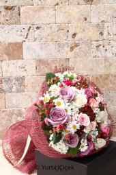 Lila, you can order pink and purple roses and daisies happily when you want to present it to your loved one.
