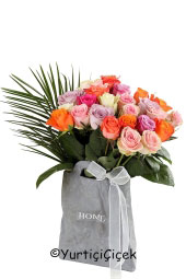 With grey ceramic home design in 25 color roses you can send a wonderful and unique representation of your love.