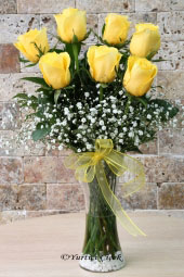 You can send the warmest of your love to your loved ones with the boutique flower design prepared with 7 pieces of Yellow Equatorial Rose. Approximate Product Size: 55 cm