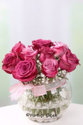 Glass Fanoos 9 Number loved ones with purple-pink roses for a Special Surprise You Can.